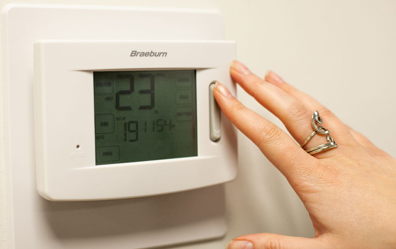 Braeburn bluelink 7320 - Wi-Fi Furnace Thermostat set to 23 degrees